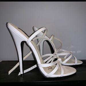Brand New 6 inch pleaser heels white sz12